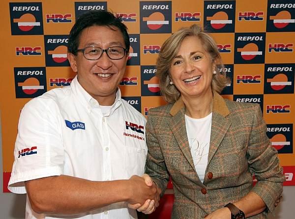 © Repsol - Weitere zwei Jahre Partner: Tetsuo Suzuki und Begoña Elices
