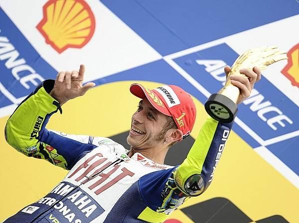 "© Bridgestone - Fahren ja, plaudern nein: Valentino Rossi erhält einen ""Maulkorb"" von Yamaha..."