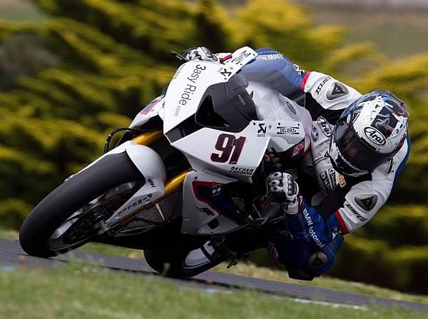 © BMW - Leon Haslam drehte an beiden Tagen insgesamt 561 Runden auf Phillip Island