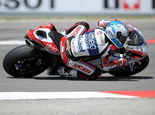 © worldsbk.com - Carlos Checa hat sich zum vierten Mal in dieser Saison die Pole-Position gesichert