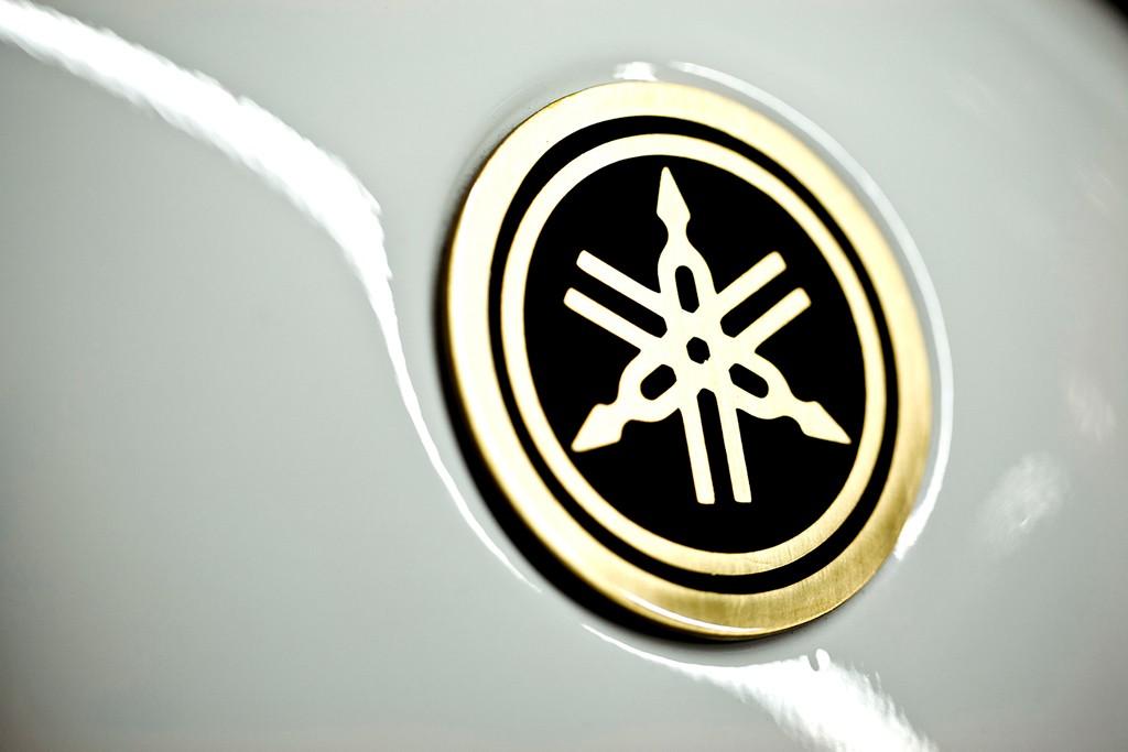 Yamaha R D Enblem
