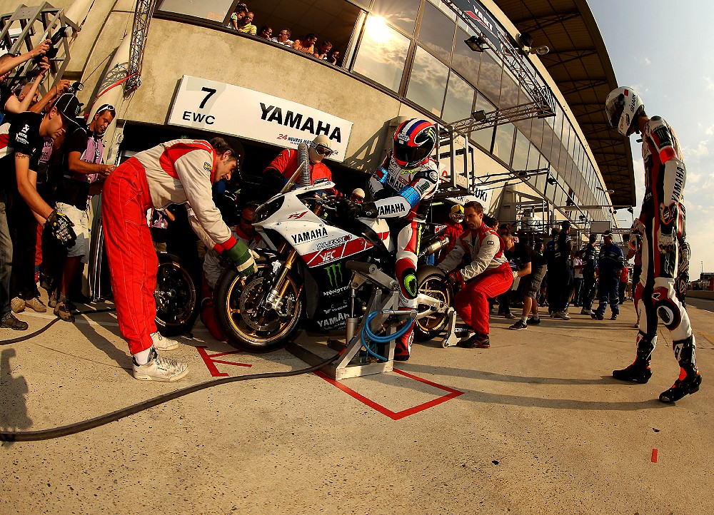 © Reygondeau - TEAM MONSTER YART PIT STOP