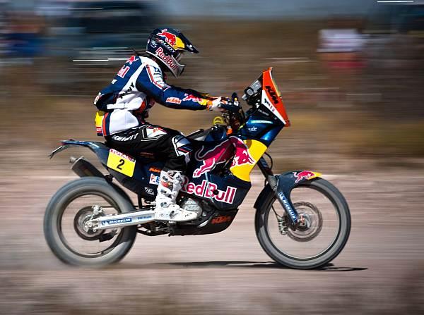© Red Bull/GEPA - Cyril Despres hat von dem Fehler seines Konkurrenten profitiert und gewonnen