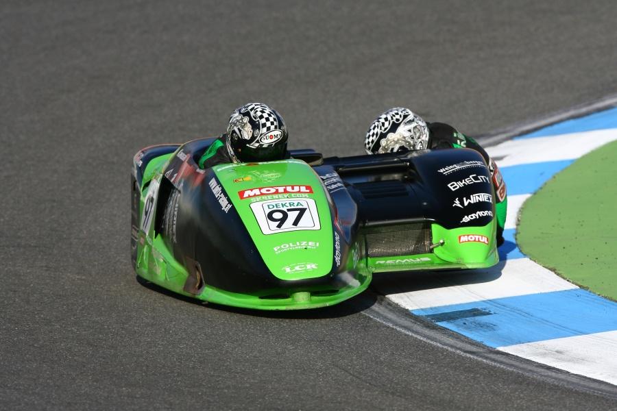 IDM Sidecar Sieger Michael Grabmüller und Axel Kölsch