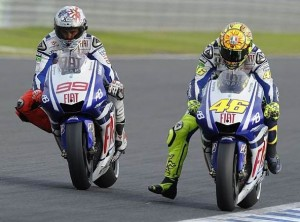 Jorge Lorenzo vs Valentino Rossi © Yamaha