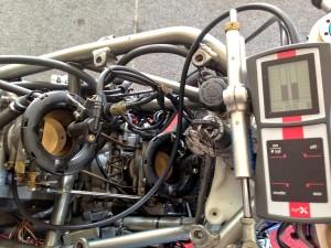 © RK-Racing - SYNX Synchrontester - bei der Arbeit