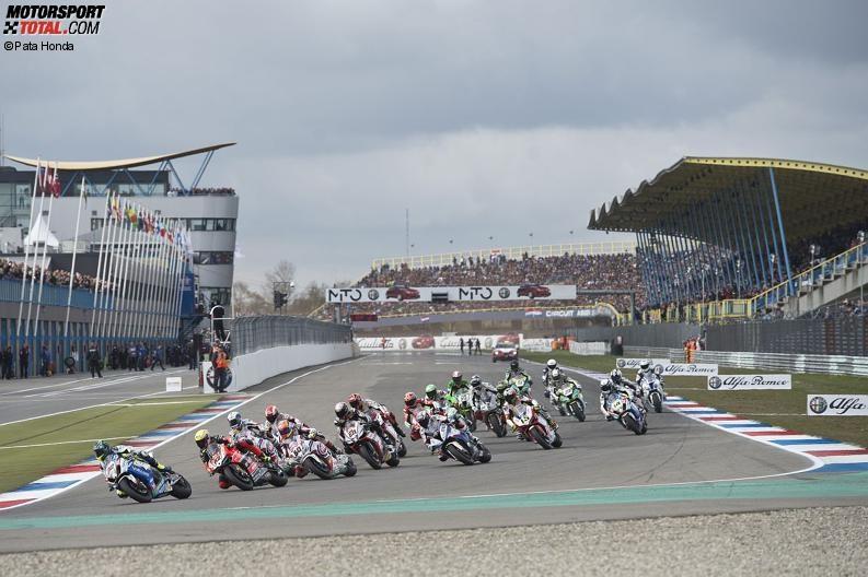 Start zum Rennen der Superbike-WM in Assen 2015 - © Pata Honda