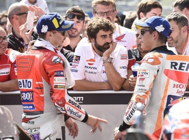 Lorenzo vs Marquez - @LAT