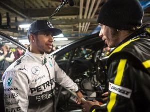 Lewis Hamilton und Valentino Rossi - © Monster Energy