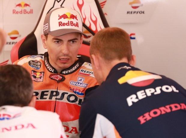 Starke Schmerzen: Lorenzo mit Highspeed-Crash beim Barcelona-Test