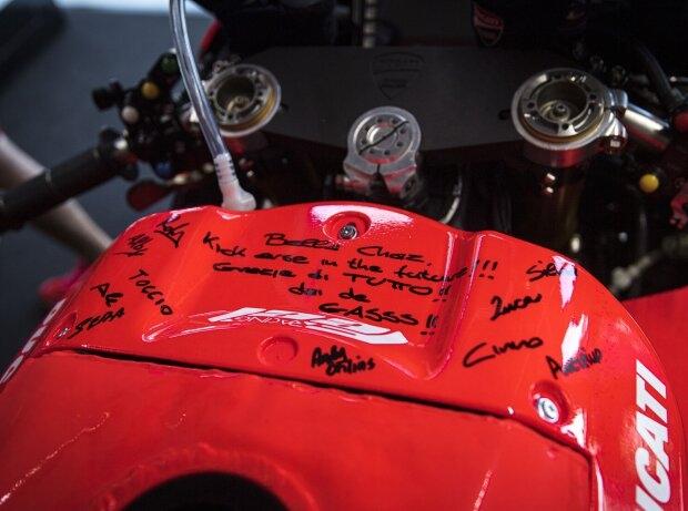 Tank Chaz Davies - © Ducati