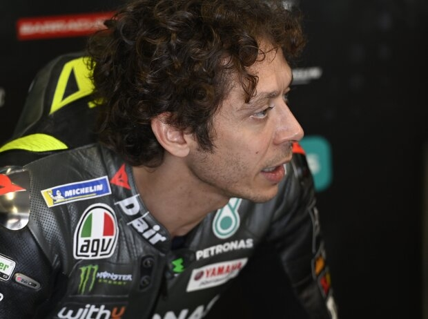 Valentino Rossi in Portimao gestürzt: