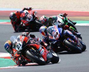 Ducati, Yamaha Kawasaki - © Motorsport Images