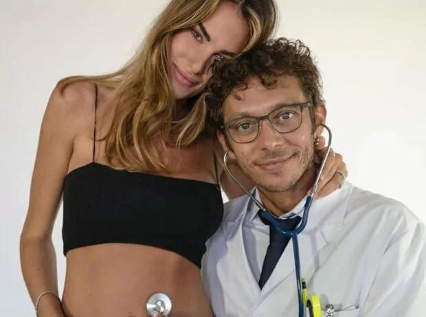 Valentino Rossi u Francesca Sofia - © VR46