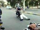 Wheelie in Pakistan - scheint alles ein bisschen anders zu sein *lol*