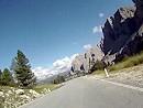 Abfahrt vom Grödner Joch in den Südtiroler Dolomiten