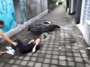Anfang top, am Ende arg geschwächelt: Scooter Stunt Crash
