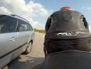 Aprilia RS 125 Crash: Auto übersehen - Notausgang genommen - Glück gehabt!