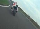 Aprilia RS 250 jagt und wird gejagt in Oschersleben