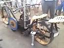 Argentinisches Kraftrad - Einzylinder, uralt und kein Grip ;-)