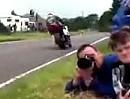 Armoy Road Race 2011 - Abstand zur Streck! Zum Glück gehts da nicht schnell !