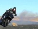 Artgerechte Gummivernichtung: Drift mit Yamaha R1 vs Bill Dixon