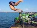 Artgerechter Kopfsprung ins Wasser - Salto über Lenker