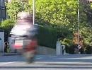 Ass wide open Mann! Geil: Ago's Leap - TT Isle of Man 2012 Superstock