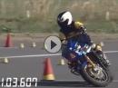 Attacke mit Kawasaki ZRX1200R Gymkhana vom Könner bewegt