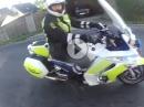 Auf der Flucht - Polizeikontrolle vs. Scooter - Der traut sich was