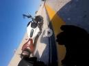 Auf der Mittelspur abgeschossen - Bike Schrott, Fahrer leicht verletzt