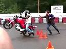 Motorrad ausser Kontrolle - Anfahren, aaannnfaaahren - nix Wheelie