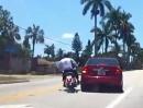 Crash Linksabbieger: Kommt die Harley angeflogen, wird dezent nach links gezogen