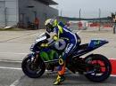 Bäämm - Valentino Rossi, Yamaha M1 -Start Test - Boxen auf, Noppenbildung