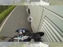 Beinah Crash: BMW F800 vs. Reisebus vs. Kurve = Selbst schuld!?