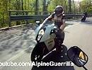 Beinah Crash: KTM kommt in den Gegenverkehr - Arsch Knapp!