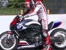 Ben Spies lässt Ducati Diavel Drag Bike in Indianapolis von der Kette