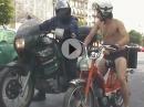 Bescheuert: Motorrad vs Mofa - Motorradrennen durch Paris Geil