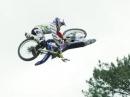 Bike Flip mit Tom Pages - neuer geiler FMX Trick. Unglaublich