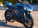 BikePorn: Yamaha R1 RN12 Akrapovic von MotoFools