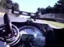 Motorrad Crash Rennstrecke: Blind ?! - Wer ist denn sooooo bescheuert?