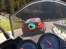 BMW M3 vs. Fazer 1000 am Jaufenpass in Italien