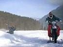 BMW Motorrad als Seilwinde für Snowboarding - coole Idee