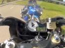 Böser Motorrad Crash aus der Kurve getragen Zusammenstoß