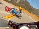 Motorrad Crashl: In den Gegenverkehr gefeuert und abgeräumt - Alptraum.