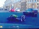 Boris der Biker - Crash resistent wie das Ende zeigt *rofl*