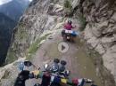 Brandgefährlich: Kailash Kishtwar Road - keine Leitplanken, 100er Meter Abgrund