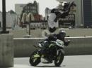 Breakdance Backflip - Breakdancing trifft Stunt Riding