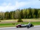 Bugatti Veyron vs. BMW S1000RR auf dem Hinterrad aufgeschnupft