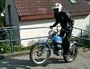 Bultaco 250 - Spaziergang auf den Treppen und Wheelie